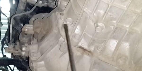 Замена масла в МКПП Хендай Солярис, как проверить масло в коробке Солярис