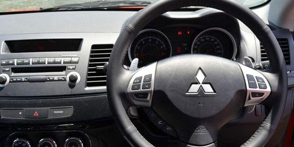 Как снять руль на Mitsubishi Lancer 9 и 10