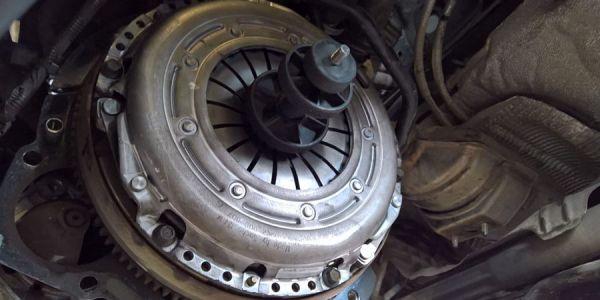 Замена главного цилиндра сцепления в Форд Фокус 2