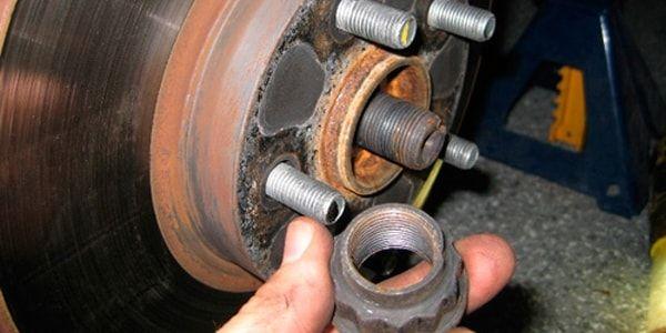 Замена подшипника ступицы в Toyota Corolla