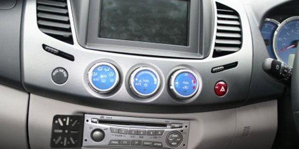 Как снять панель Mitsubishi L200