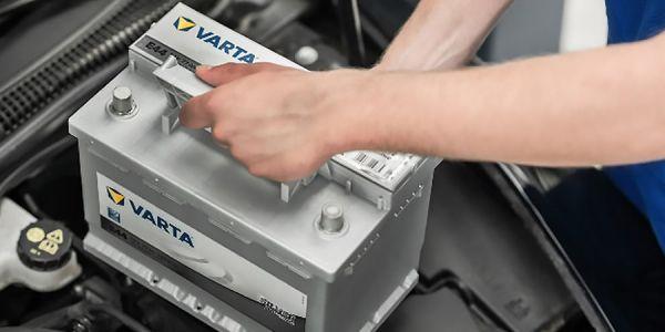 Как и когда менять аккумулятор автомобиля
