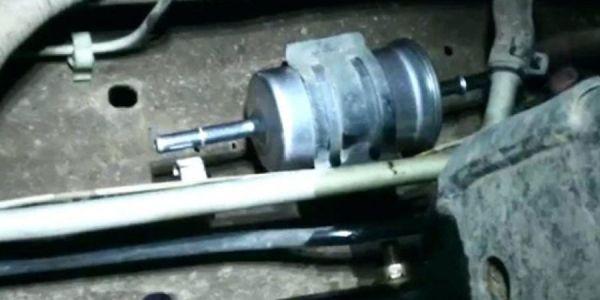 Замена топливного фильтра в Форд Фокус 3