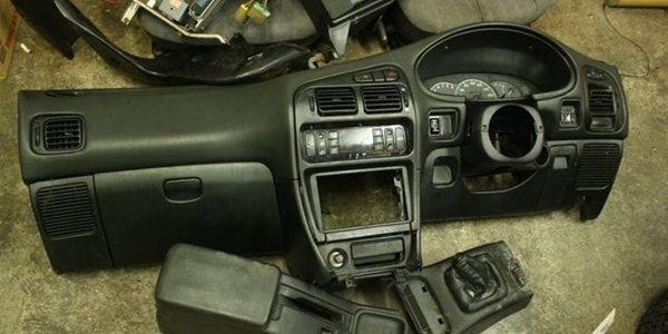 Снятие панели приборов на Mitsubishi Lancer